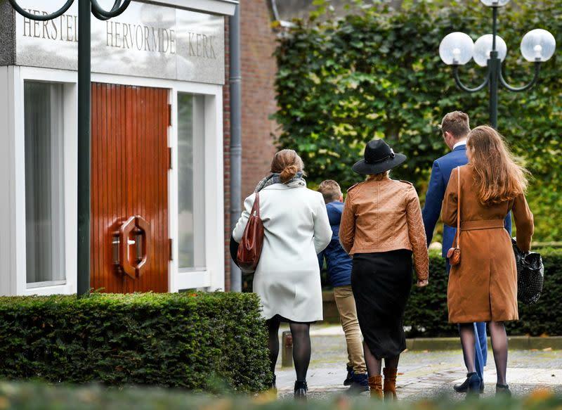 Churchgoers in Dutch 'Bible Belt' defy coronavirus instructions