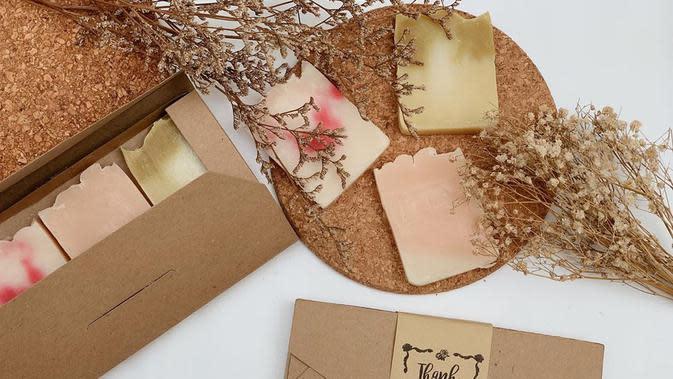 Natural soap (Dok.Instagram/@jakarta.souvenir/https://www.instagram.com/p/CBVI_5mlhYM/Komarudin)