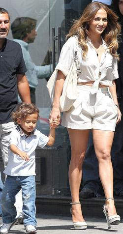Jennifer Lopez Reveals Struggle With Baby Blues: I Thought My Twins 'Didn't Love Me'