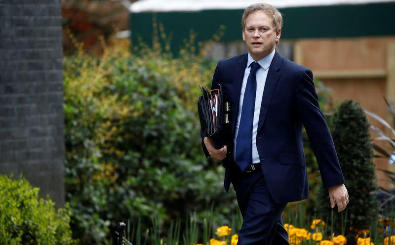 England puts United States on 'red-list', will quarantine arrivals