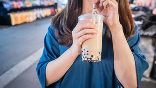 台灣人每年吃掉約60萬噸糖!喝一杯全糖珍奶 要走3小時才能還債