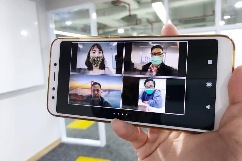 Smartfren gandeng Zoom hadirkan layanan video telekonferensi