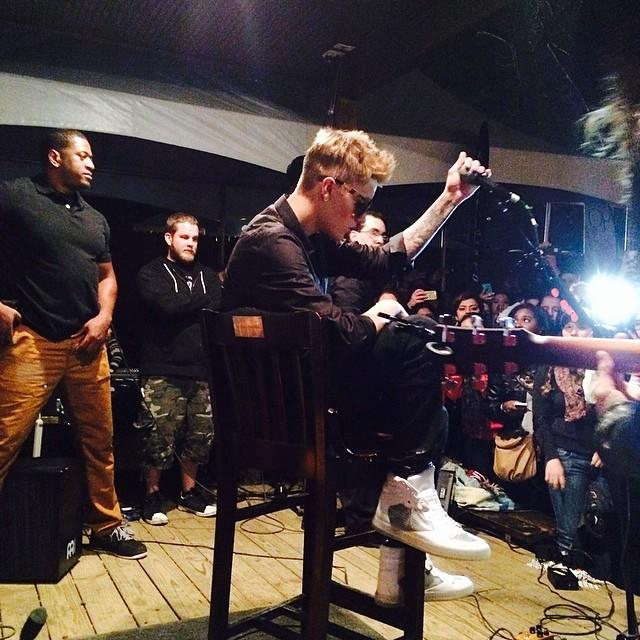 Justin Bieber Makes Surprise Appearance at SXSW With Selena Gomez