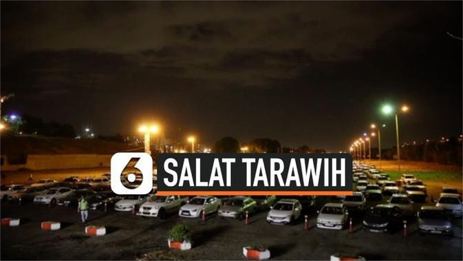 VIDEO: Warga Iran Salat Tarawih dari Dalam Mobil karena Corona