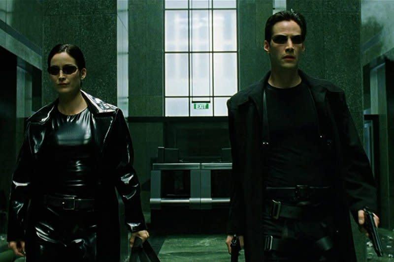 """Kata Keanu Reeves dan Carrie-Anne Moss tentang """"Matrix 4"""""""