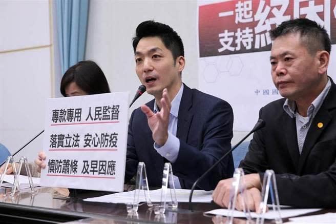 國民黨立委蔣萬安(中)。(圖為資料照)