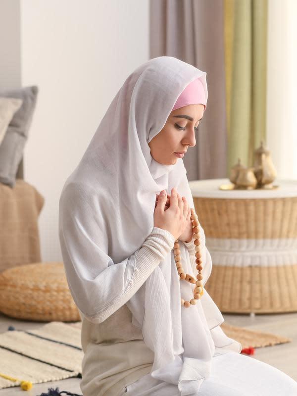 10 Cara Mendekatkan Diri Kepada Allah Saat Haid Tetap Dapat Keberkahan