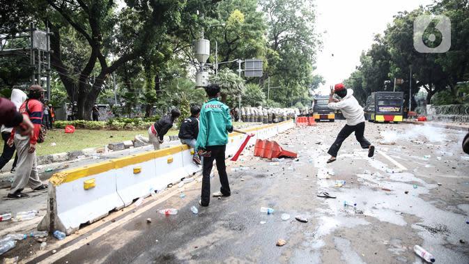 DPR Minta Polisi Usut Tuntas Penyedia Ambulans yang Viral Saat Demo RUU Cipta Kerja