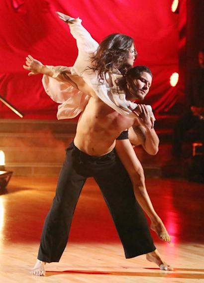 Kelly Monaco and Valentin Chmerkovskiy (10/15/12)