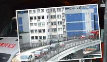 私家車加士居道天橋撞交通燈箱後翻轉 司機涉醉駕