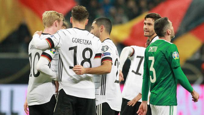 Timnas Jerman selebrasi saat melawan Irlandia Utara di penyisihan Grup C Piala Eropa 2020 di Commerzbank-Arena, Frankfurt, Rabu dini hari WIB (20/11/2019). (AFP/Daniel Roland)