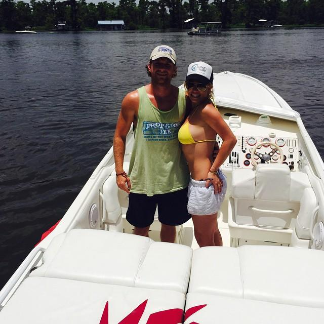 Britney Spears Flashes Insane Bikini Body While Hanging With Her 'Louisiana Boy'!