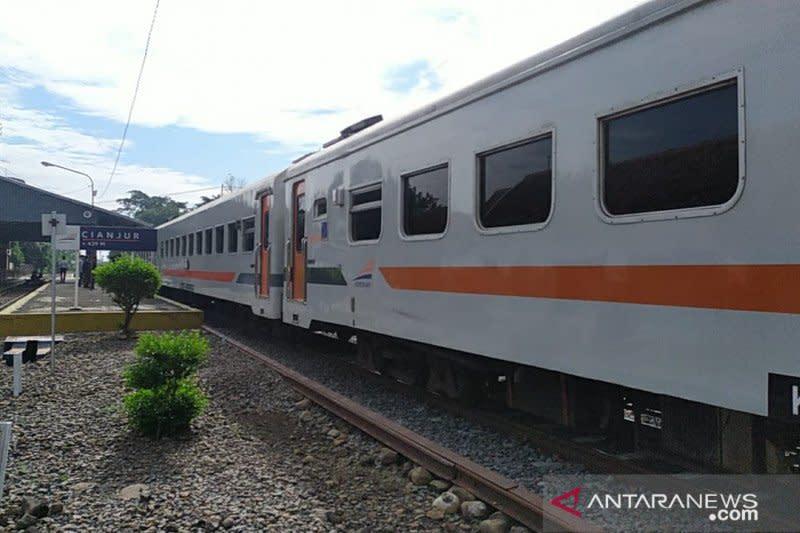 Jalur KA Sukabumi-Cipatat beroperasi 17 September