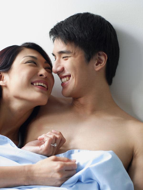 Hindari berciuman saat flu. copyright shutterstock.com
