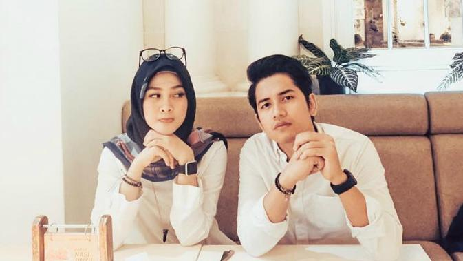 Zikri Daulay dan istri, Henny Yuliana Rahman. (Instagram: @zikridaulay1)