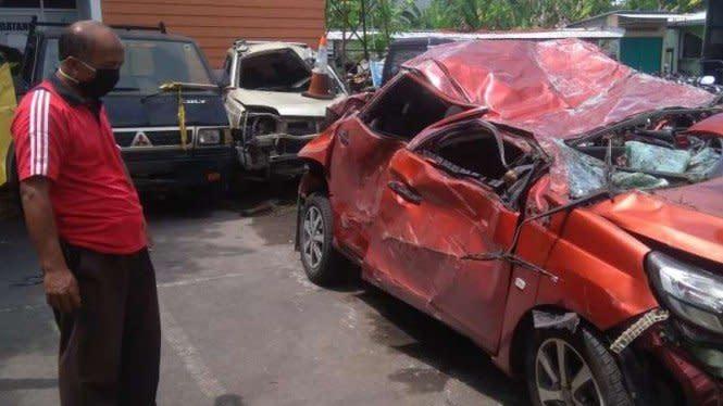 Kecelakaan Mobilio Vs Xpander, Warga Temukan Miras di Mobil