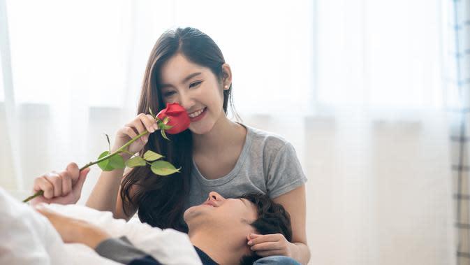 Manfaat apa saja yang didapat dengan menikah muda/copyright by Hananeko_Studio (Shutterstock)
