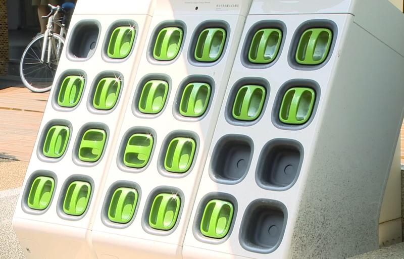 「電池交換站不足」一直是通勤族的困擾之一。(圖/東森新聞)