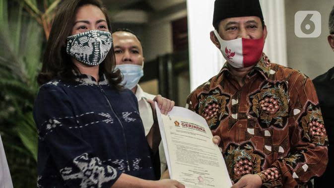 Muhamad-Sara Lengkapi Dokumen Pencalonan ke KPU Tangsel