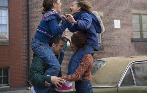 "This photo provided by the Sundance Institute shows, from left, Imogene Wolodarsky, Mark Ruffalo, Ashley Aufderheide and Zoe Saldana, in a scene from the film, ""Infinitely Polar Bear."" The film, starring Ruffalo, Saldana, and Keir Dullea, premiered at the 2014 Sundance Film Festival. (AP Photo/Sundance Institute, Seacia Pavao)"