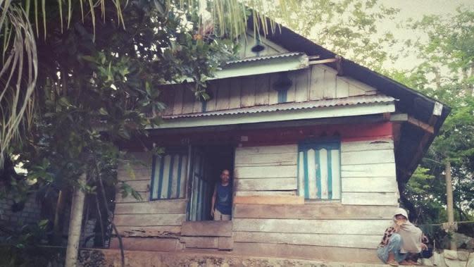 Kondisi rumah La Rungge, di Desa Lowu-lowu, Buton Tengah.(Liputan6.com/Ahmad Akbar Fua)