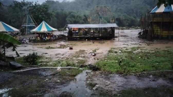 Sungai Cisokan Meluap, Banjir Melanda 4 Kecamatan di Cianjur