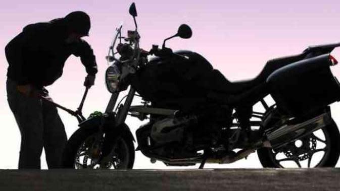 Hanya 5 Detik Pelaku Berhasil Bawa Kabur Sepeda Motor di Palembang