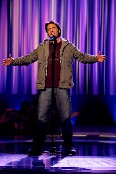 Luke Menard performs as one of the top 24 contestants on the 7th season of American Idol.