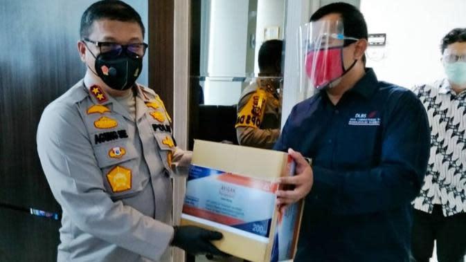 Polda Riau Serahkan Bantuan Antivius Avigan untuk RS Rujukan Covid-19