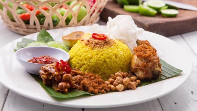 Resep Nasi Kuning Mengilap Dimasak di Rice Cooker