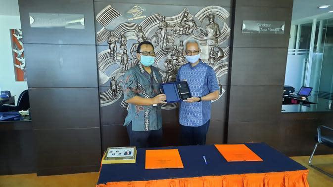 PT INTI (Persero) menjalin kerja sama strategis dengan PT Pos Indonesia (Persero) terkait sinergi layanan pengiriman surat, paket pos, dan jasa integrasi logistik (dok: INTI)