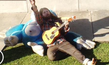 "Funny Viral Video Reveals That Idol Casey Abrams Is ""Homeless"""