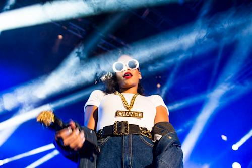 "Rihanna Samples ""Rack City"" For Live ""What's My Name"" 777 Tour Remix"