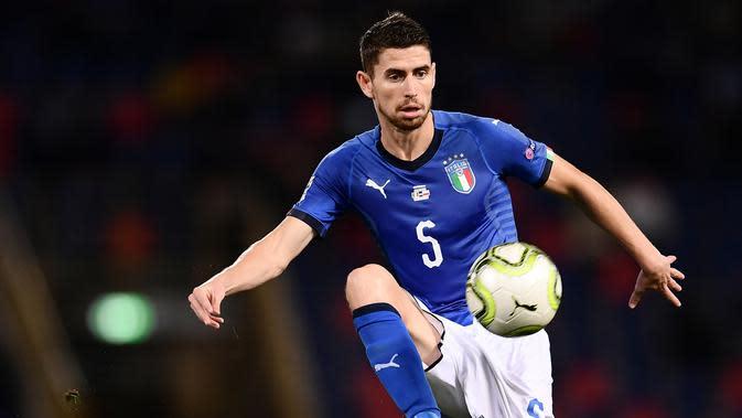 Gelandang Timnas Italia, Jorginho, yang merupakan pemain Chelsea. (AFP/Marco Bertorello)