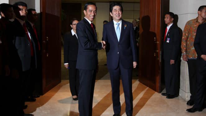Presiden Joko Widodo Bertemu PM Jepang Shinzo Abe