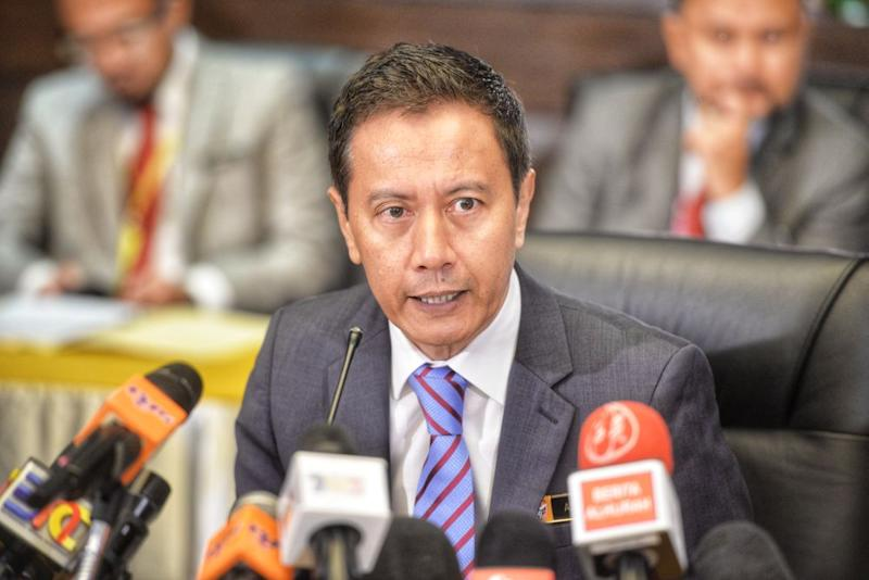 Datuk Azhar Harun said that it was not about whether he was defending the commission but that the judge had not made any reference to wrongdoing by the Election Commission. ― Picture by Shafwan Zaidon