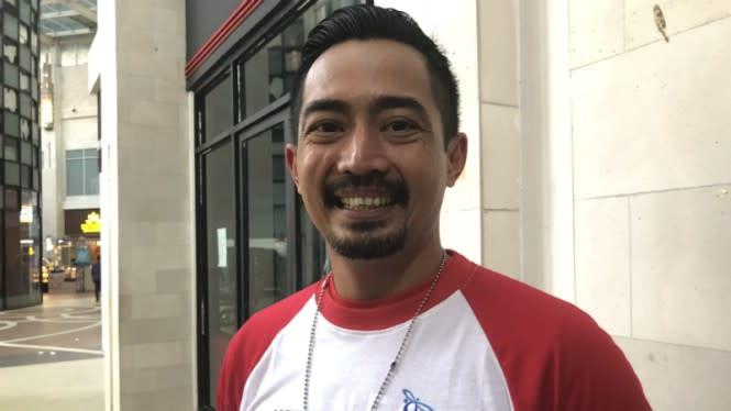 Gak Pakai Masker, Yama Carlos Dihukum Push Up di Pinggir Jalan