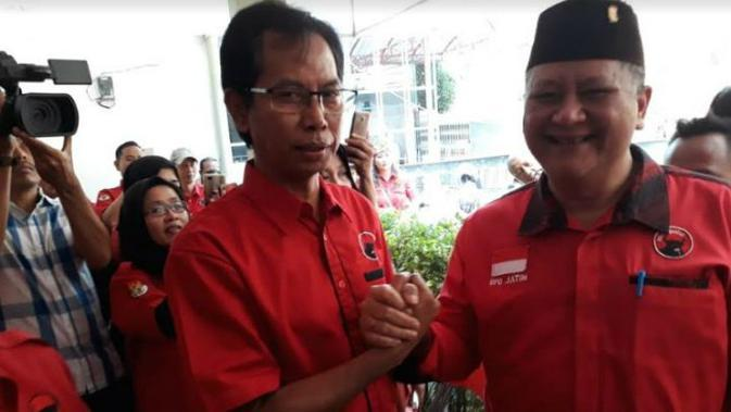 Adi Sutarwijono ditunjuk sebagai Ketua DPRD Surabaya, Jatim, periode 2019-2024. (Foto: Liputan6.com/Dian Kurniawan)