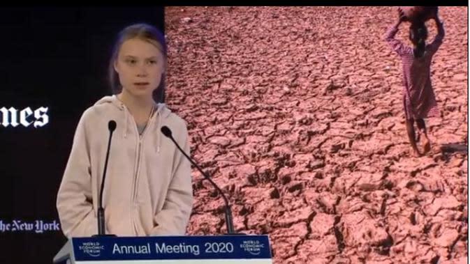 Greta Thunberg memberikan pidato dalam WEF Davos. (dok.Instagram @gretathunberg/https://https://www.instagram.com/p/B7lt09Rp6xQ//Tri Ayu Lutfiani)
