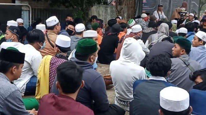 Detik-detik Habib Bahar Dipindahkan, Massa Sempat 'Duduki' Lapas