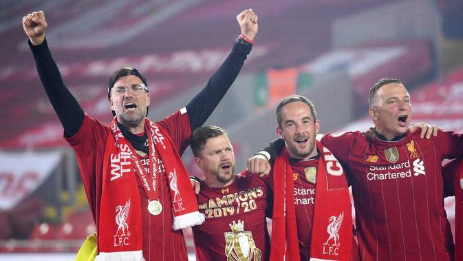 Mantan juru taktik Borussia Dortmund itu berhasil mengakhiri puasa gelar liga Liverpool yang telah berlangsung selama 30 tahun. (Laurence Griffiths, Pool via AP)