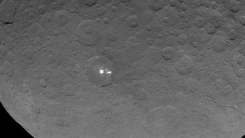 Dawn Probe Gets Closest Look Yet at Ceres' Bright Spots
