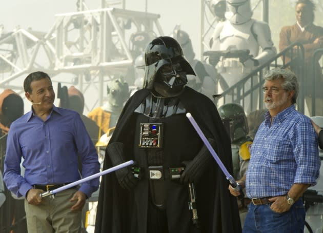 George Lucas Says Mark Hamill, Carrie Fisher & Harrison Ford Signed For 'Episode VII'