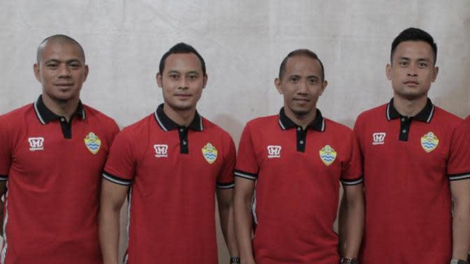 4 Eks Pemain Persib Bandung di PSKC: Tantan, Atep, Siswanto, dan Agung Pribadi. (Erwin Snaz/Bola.com)