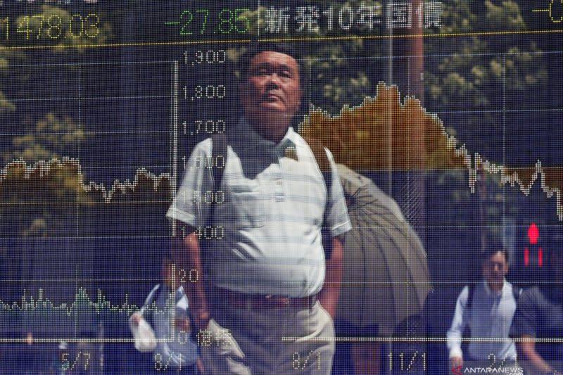 Bursa saham Tokyo ditutup naik ikuti Wall Street, sementara yen mundur
