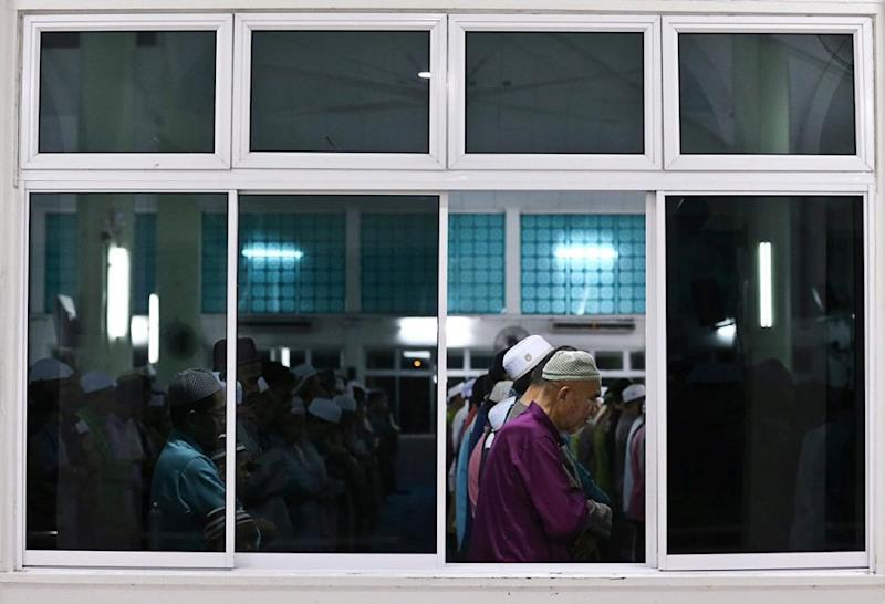Malaysia's treatment of the Shiah and Ahmadiyah minorities is directly contrary to its obligations to guarantee the rights to freedom of religion or belief and to equality under the law and non-discrimination of religious minorities, said the ICJ. — Picture by Choo Choy May