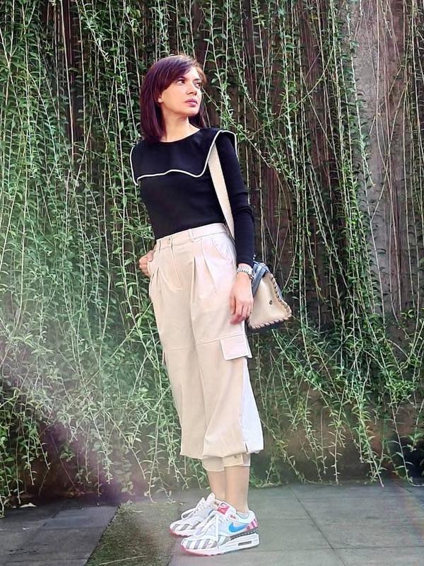 Tak sedikit anak muda saat ini ingin menjadi seperti Najwa Shihab. Di balik paras cantik nan berkharisma, perempuan yang akrab disapa mba Nana ini juga cerdas. Terlihat dari sederet wawancaranya bersama orang-orang dari berbagai kalangan. (Instagram/najwashihab)