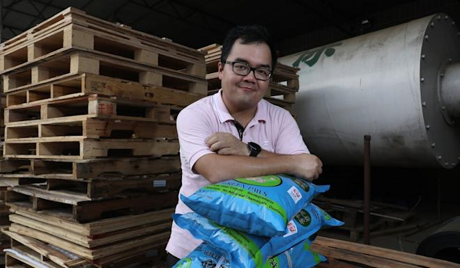 Kelvin Shi started Green Paws to fill what he sees as a gap in the market for environmentally friendly cat litter. Photo: K. Y. Cheng