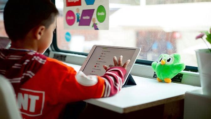 Siswa belajar dengan aplikasi duolingo. (Liputan6/Twitter/@Duolingo)