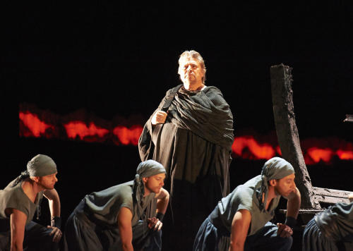 "In this picture provided by the Vienna State Opera Peter Seiffert in the role of Tristan, center, performs with extras during a dress rehearsal for Richard Wagner's opera ""Tristan and Isolde"" at the state opera in Vienna, Austria, Monday, June 3, 2013. Premiere was on Thursday, June 13, 2013. (AP Photo/Wiener Staatsoper, Michael Poehn)"